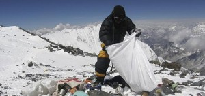 Everest Cleaning (2)