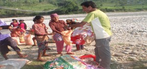 help-earthquake-victims-by-helping-hands-foundation